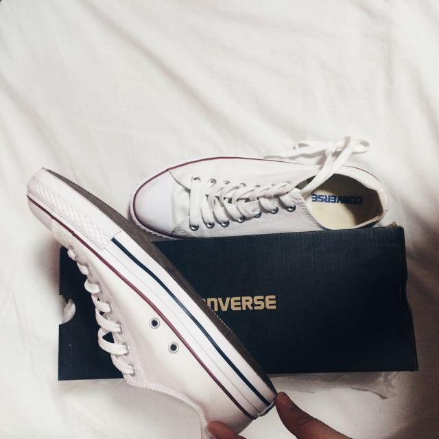 Size 8.5 Hardly Worn White Converses