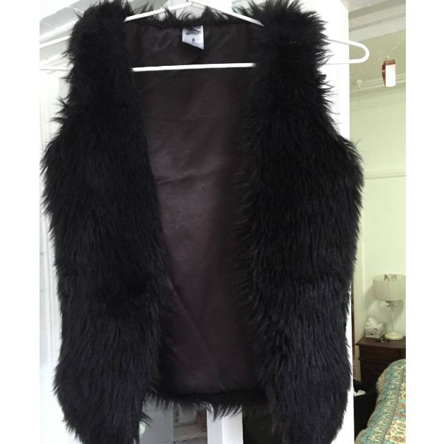 Size 8 little girls Target fake fur vest