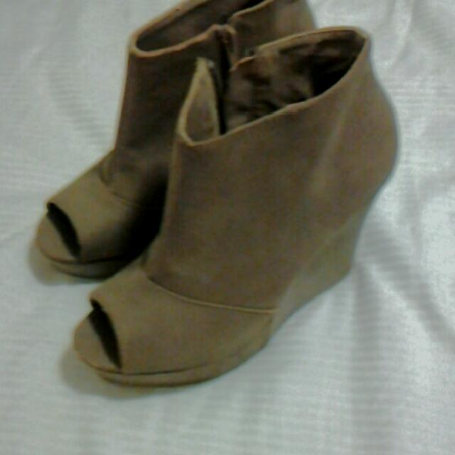 Wedges Beige Suede Type Material Girl Express Size 7