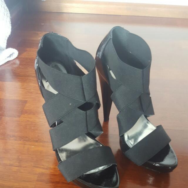 Zu 6.5 strappy heels