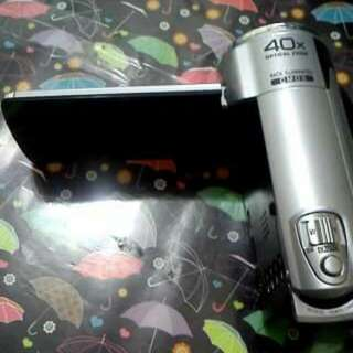 ALMOST BRAND NEW VIDEO CAM JVC