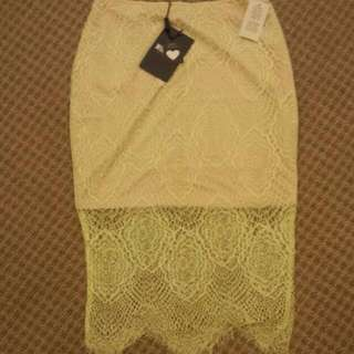 NEW WITH TAG LACE MIDI SKIRT