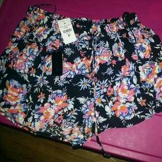 Flower Print Lose Fit shorts