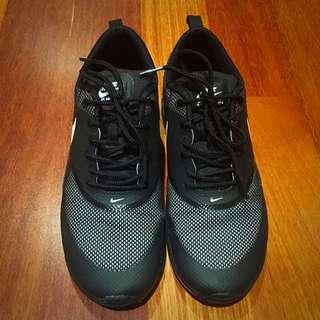 (pending) Nike Air Max Thea 👟