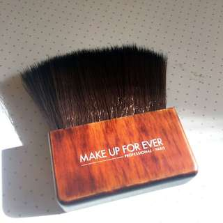MAKEUP FOREVER #414 Large Kabuki Brush