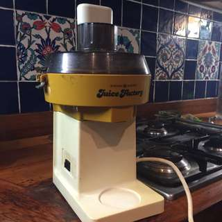 Juice Factory- General Electric Quality Juicer