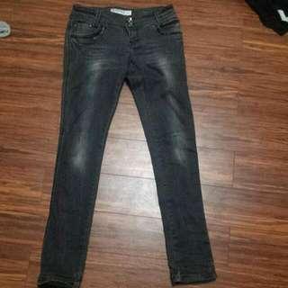 Monicas Jeans