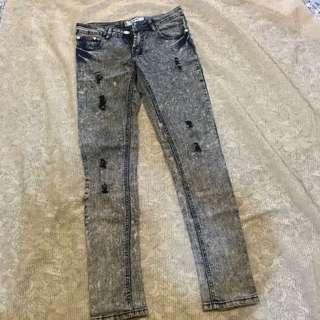 破損設計刷色牛仔褲