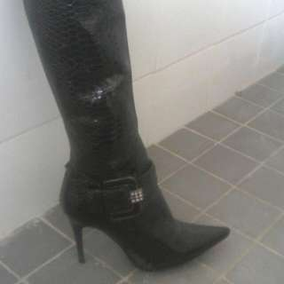 Knee High's With Stiletto Heels! Snakeskin Patterns And Diamond Buckles. Zipper On The Inside Of Leg.