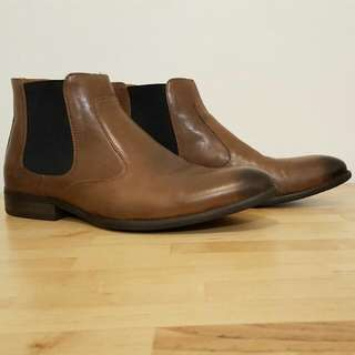Peter Jackson tan leather Chelsea boot Size 8