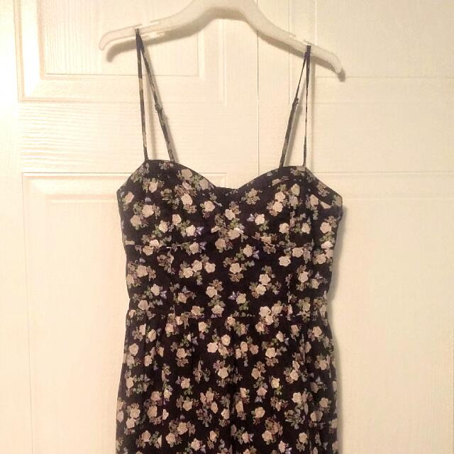 Adorable H&M Dress with Flower Pattern