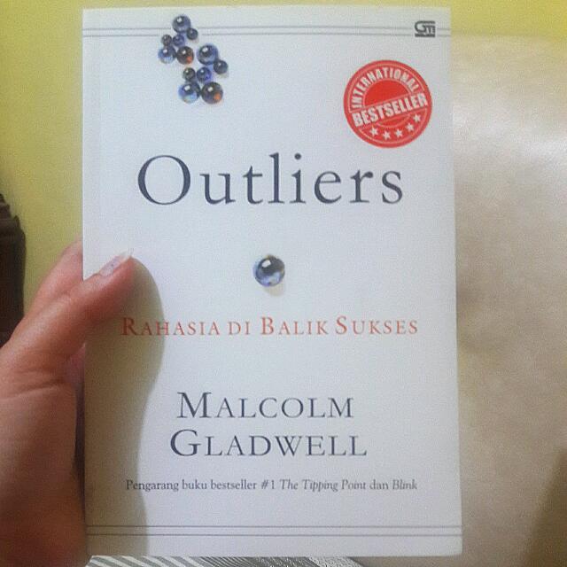Bestseller Book OUTLIER: Rahasia Di Balik Sukses
