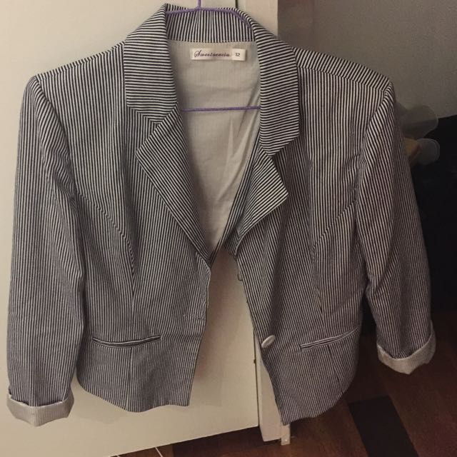 Blue and white pinstripe 3/4 long sleeved jacket- size 12