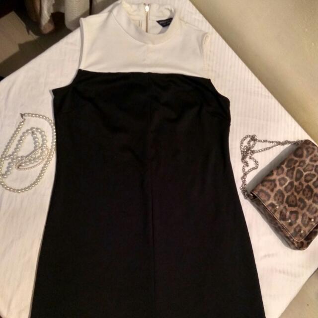 xxRESERVEDxx Dorothy Perkins Turtle Neck Shift Dress
