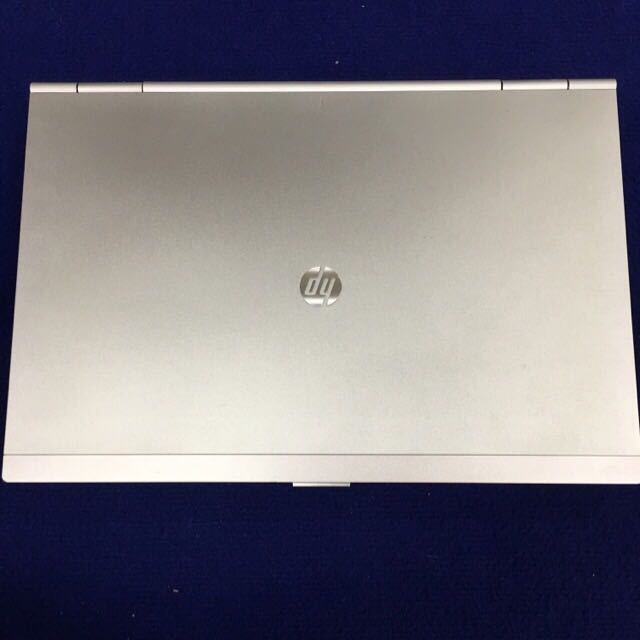 Laptop: HP 14