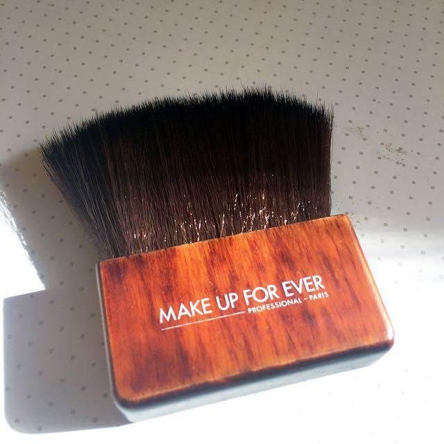 MAKEUP FOREVER #414 Large Kabuki Brush