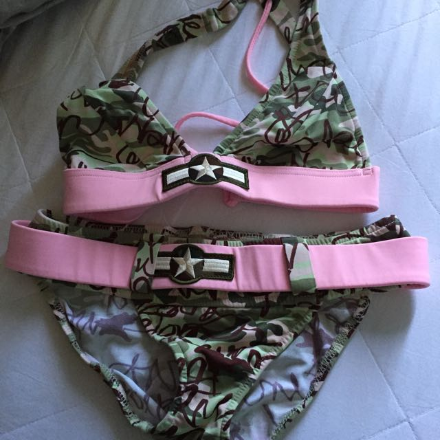 Never Wore Bikini - SIZE SMALL - $10