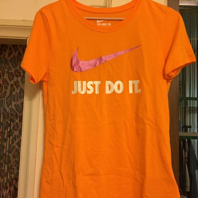 Nike橘x桃紅亮短休閒t