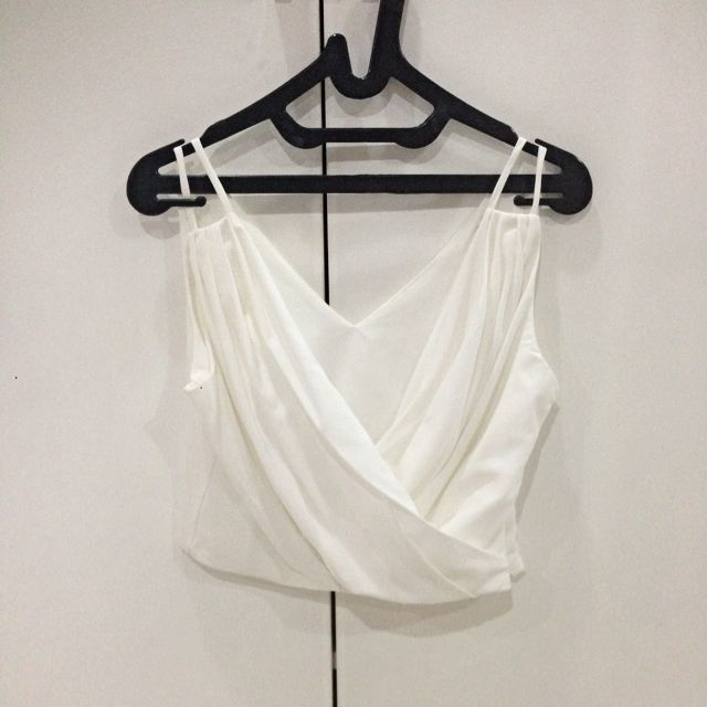 [REPRICE] White Pleated Crop Top