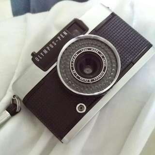 Olympus Pen Ee 3 Half Frame Film Camera