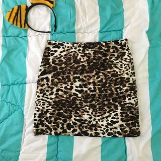H&M Leopard Tight Skirt