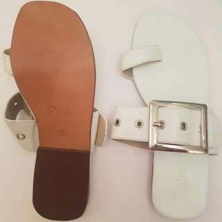 🆕 White Sandals Size 8