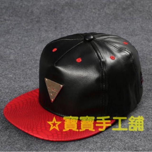 399元潮帽專區-流行潮帽-可搭情侶帽-情人禮物-朋友禮物-同學禮物-送禮-可調節-三角標  紅黑