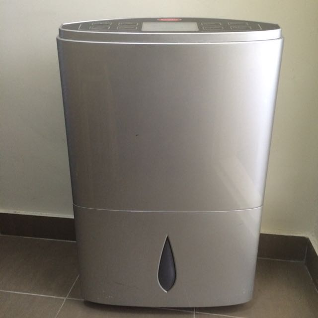 EuropAce Dehumidifier (with Air Purifier Function)