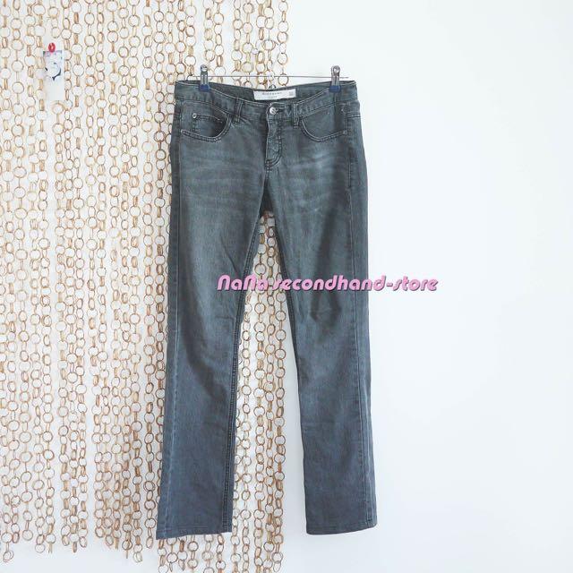 GIORDANO佐丹奴 牛仔品牌 女生低腰牛仔褲 直筒 黑灰色刷紋 25號32腰m號(二手)