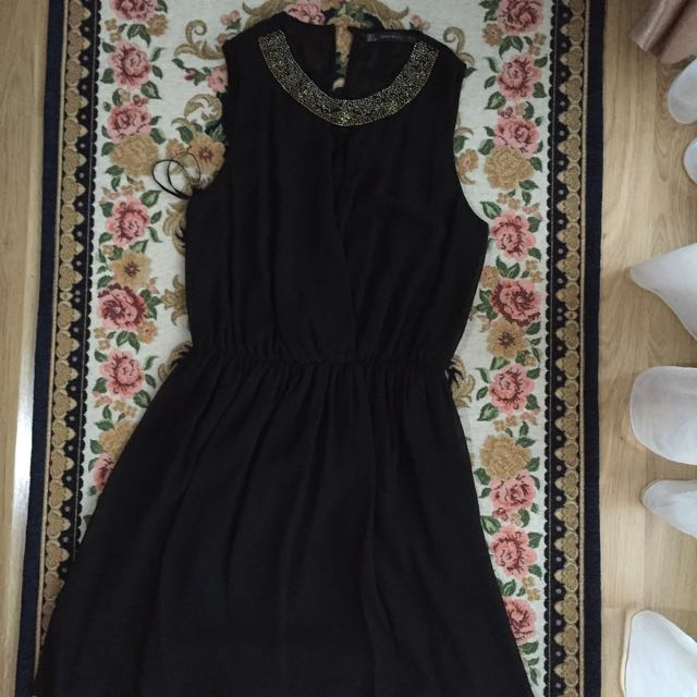 Zara sleeveless dress collection in black (S)