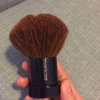 Manicare Brozenr Brush