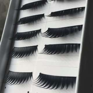 7 Pairs Of Black Flase Lashes