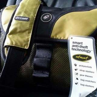 Pacsafe Camsafe Camera Bag