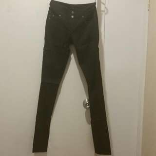 Pilgrim Black Stretchy Skinny Pants Size 7