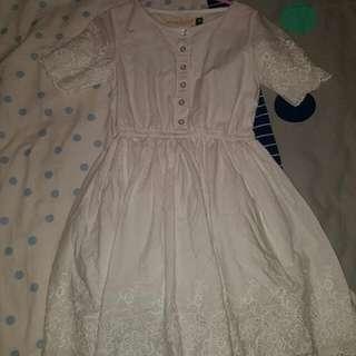 Size 7 Girls White Dress Vintage Looking