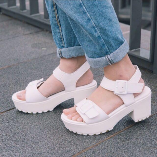 摩曼頓白色厚底鞋