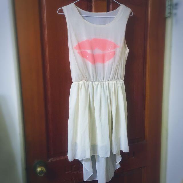 白色前短後長洋裝