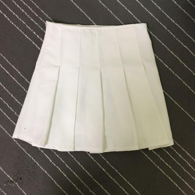 全新韓國硬挺白色百褶裙