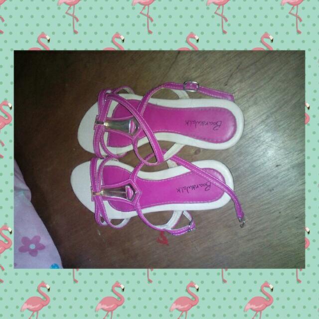 Boardwalk Sandals Size 8