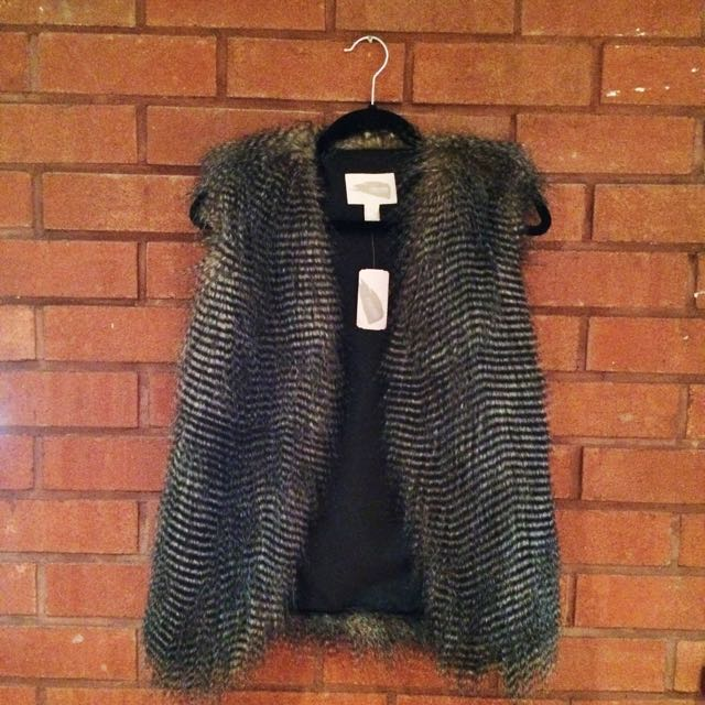FOREVER 21 Fo Fur Vest