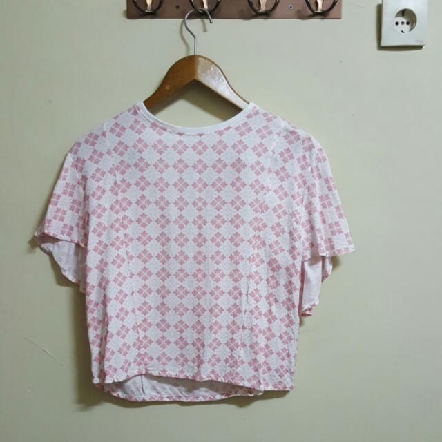 Gaudi Jingga Batik Crop Top