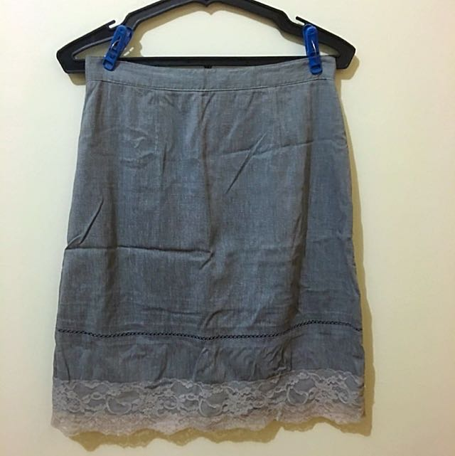 Gray Skirt With Lace Detail