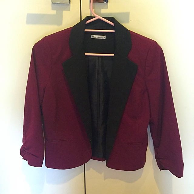Hot Option Maroon And Black Cropped Blazer