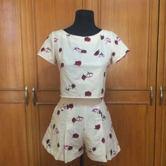 (Japan) Floral Top And Shorts