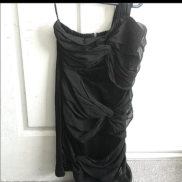 FURTHER PRICE DROP! Black Dress Size 6