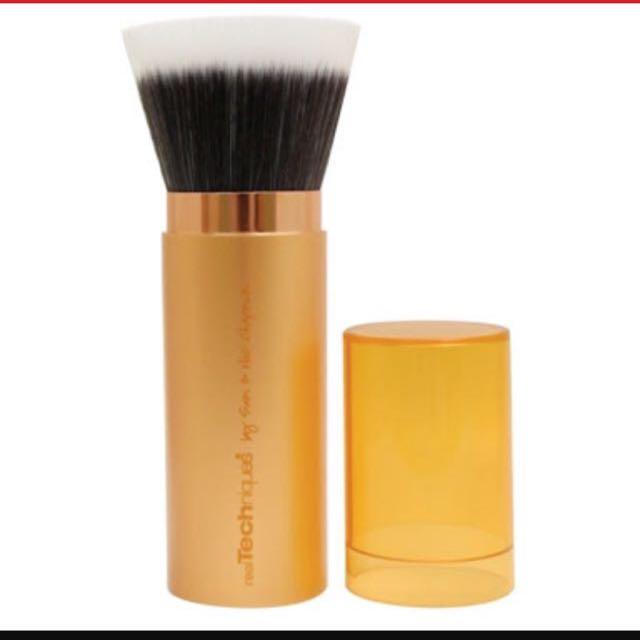 Real Technique Makeup Brush