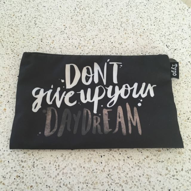 Typo Don't Give Up Your Daydream Pencil Case