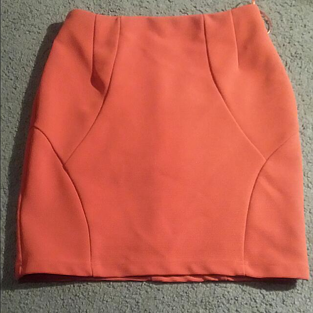 PRICE DROP! Waist high orange Skirt size 6