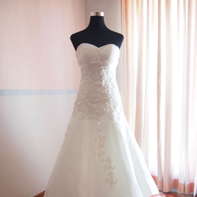 New] Wedding Gown Warehouse Sale, Women\'s Fashion on Carousell