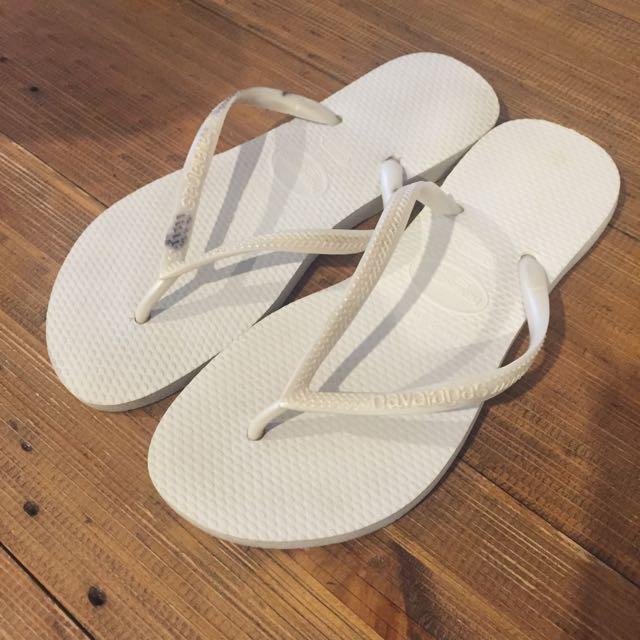 White Havaiannas Size 35-36 (size 6)